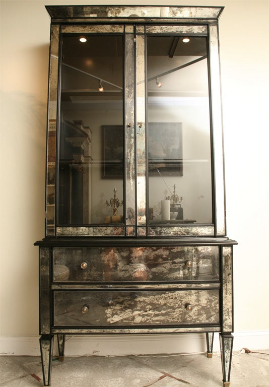Mirrored two drawer Hutch with Black Lacquer 3