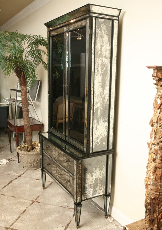 Mirrored two drawer Hutch with Black Lacquer image 9