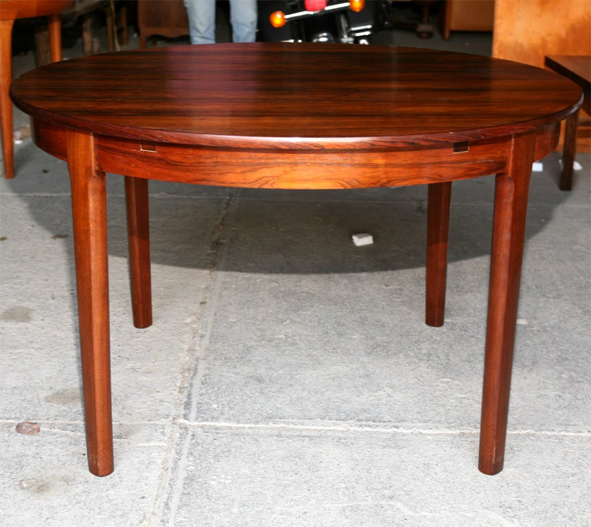 Round Rosewood Dining Table at 1stdibs : Hud09151 from 1stdibs.com size 861 x 768 jpeg 118kB