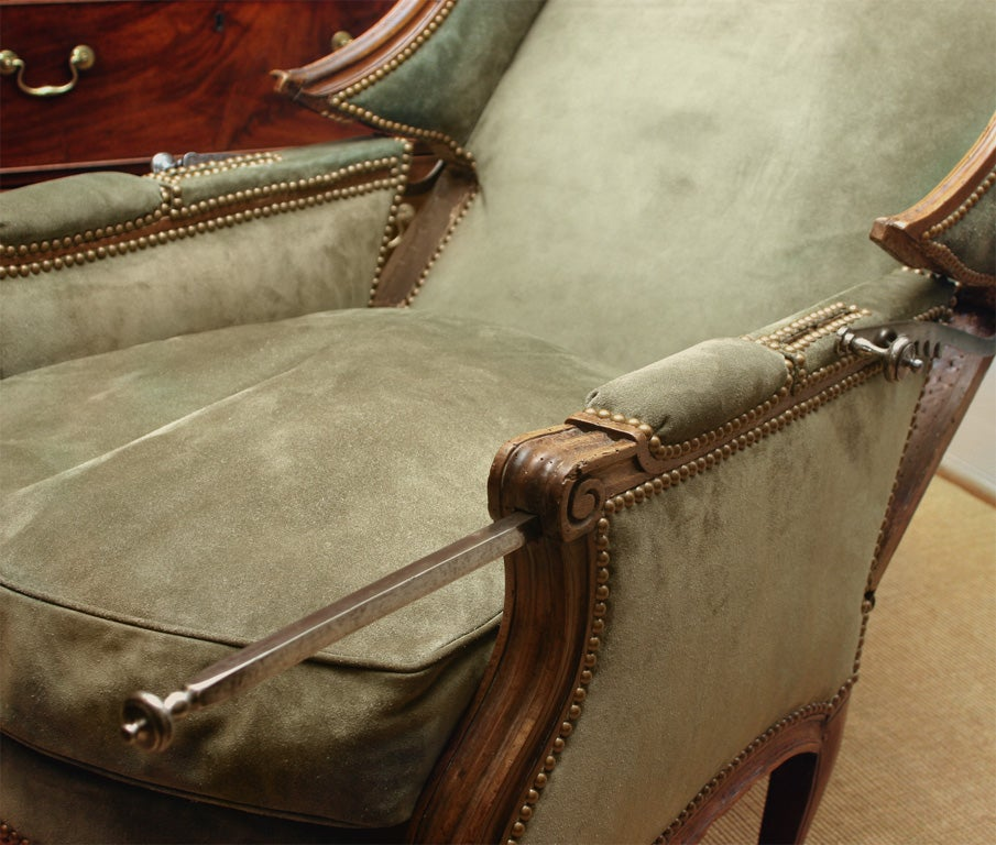 Louis XV carved walnut reclining wing chair, c.1750 For Sale 3