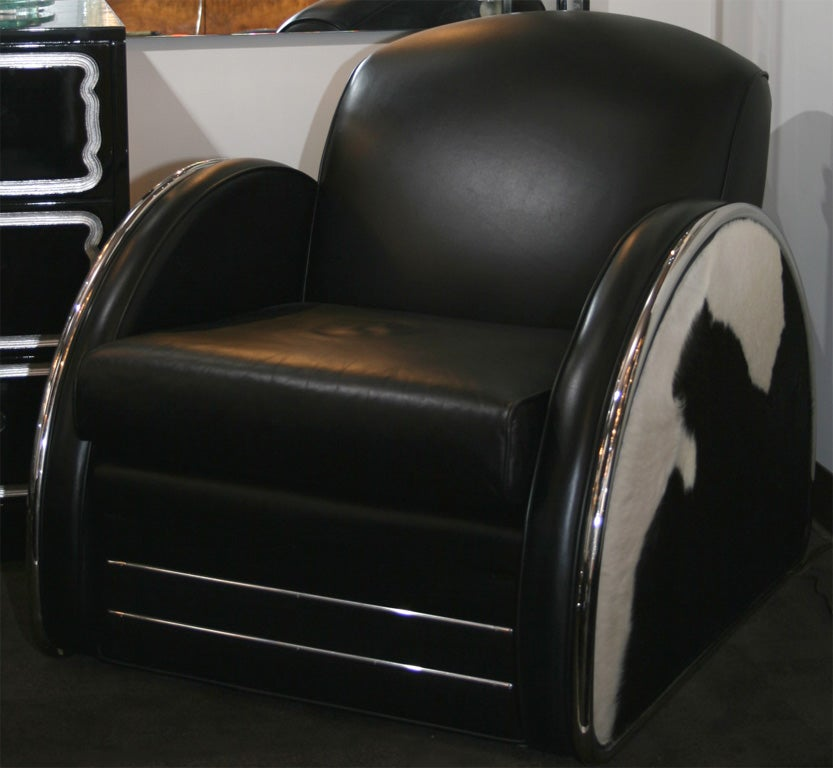 Streamline Art Deco Lounge Chair In The Manner Of Donald
