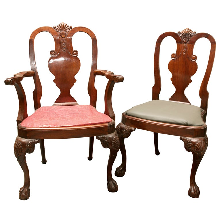 Set of 8 queen anne style dining chairs at 1stdibs for Dining room chairs queen anne