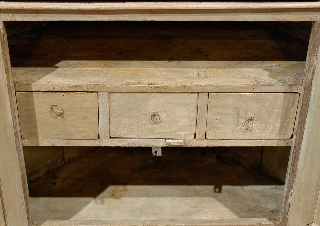 Late 18th Century Painted Swedish Gustavian Corner Cupboard For Sale 2