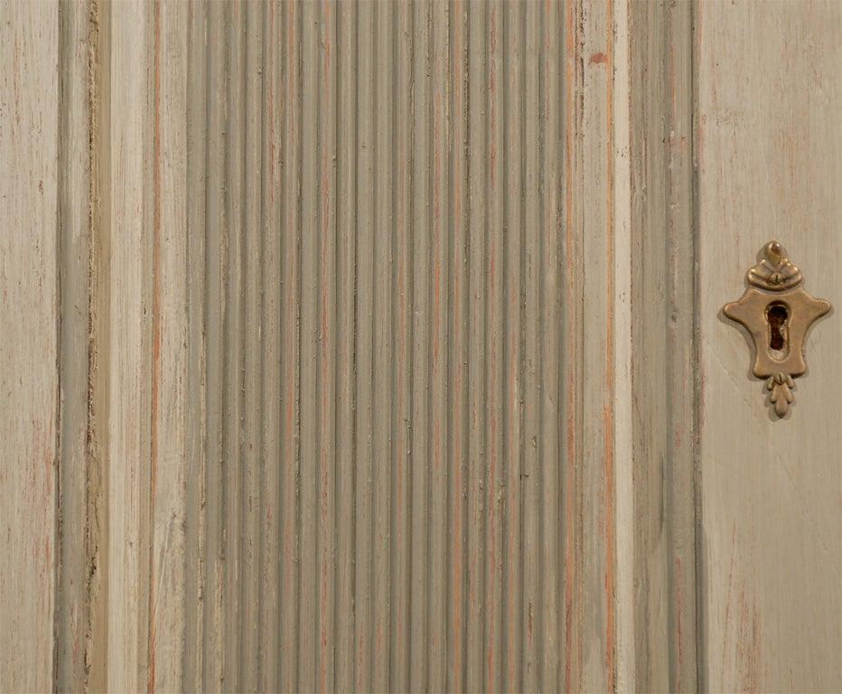 Late 18th Century Painted Swedish Gustavian Corner Cupboard For Sale 4