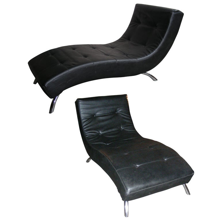 Two 1970s black leather chaises longues at 1stdibs for Black leather chaise longue