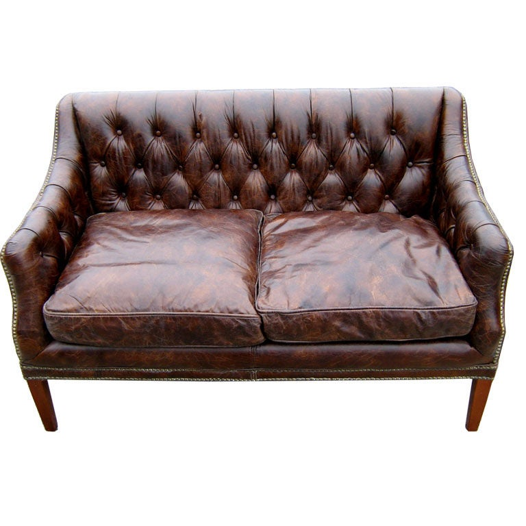 Merveilleux Tufted Leather Sofa For Sale