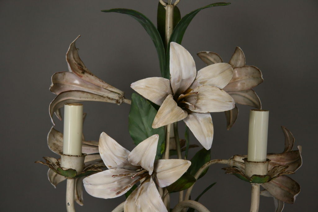 Mid-20th Century  Italian Lilies Tole Chandelier For Sale