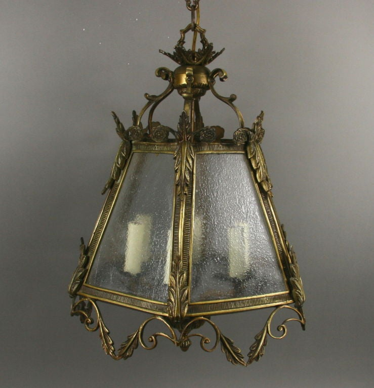 ON SALE Italian Bronze Pebbled Glass Lantern In Good Condition For Sale In Douglas Manor, NY