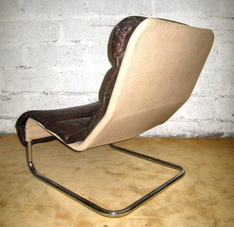 Late 20th Century Tubular Leather Lounge Chair with Ottoman For Sale