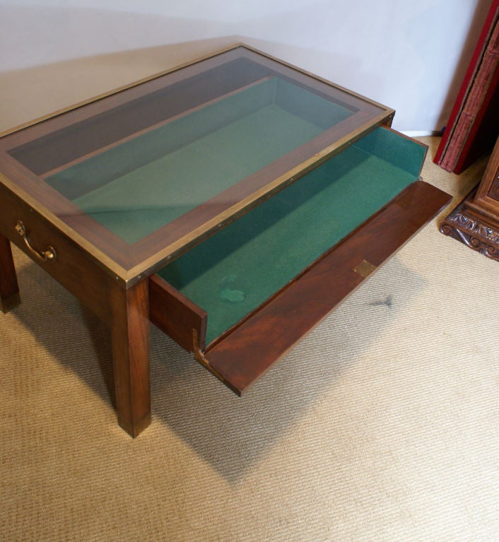 Vitrine coffee table at 1stdibs for Table vitrine