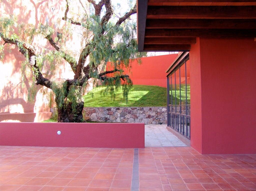 Spectacular Modernist Home in San Miguel de Allende image 6