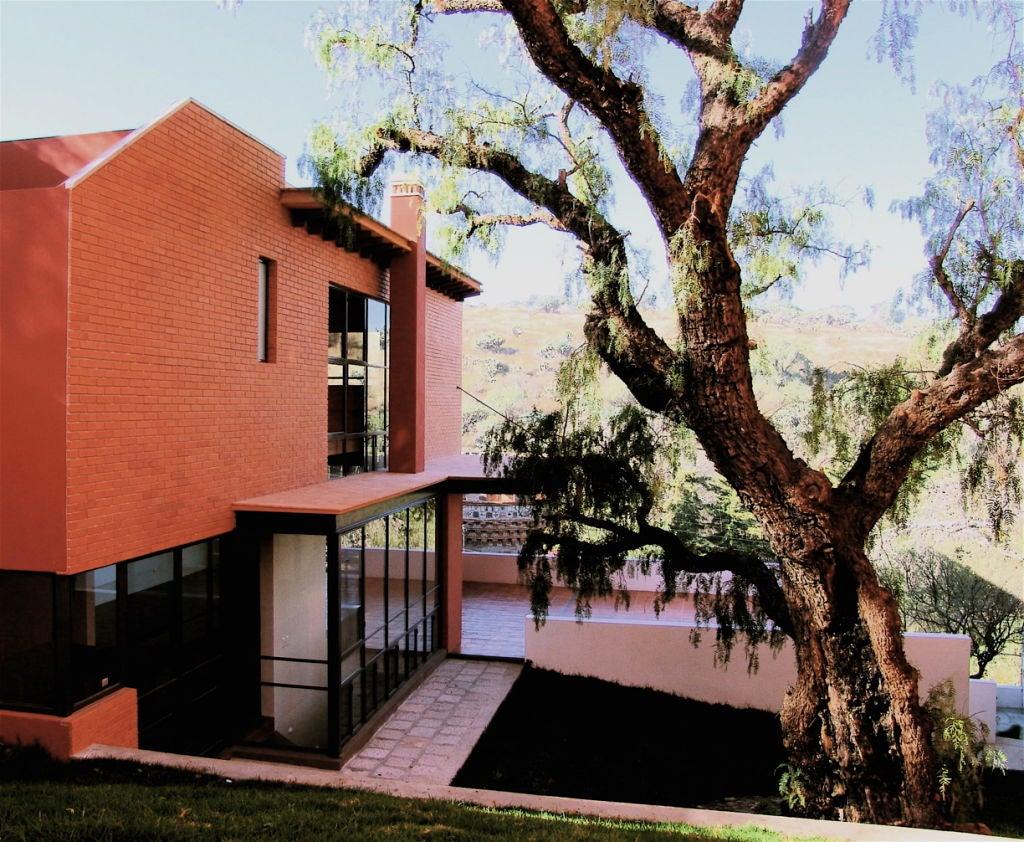Spectacular Modernist Home in San Miguel de Allende image 9