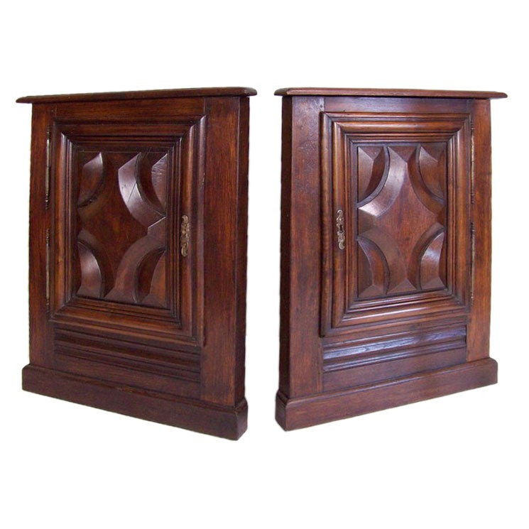 Pair of French Antique Corner Cabinets For Sale - Pair Of French Antique Corner Cabinets At 1stdibs