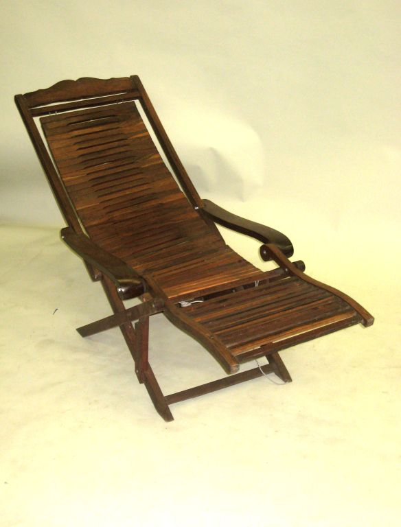french colonial deck chair or chaise longue at 1stdibs. Black Bedroom Furniture Sets. Home Design Ideas