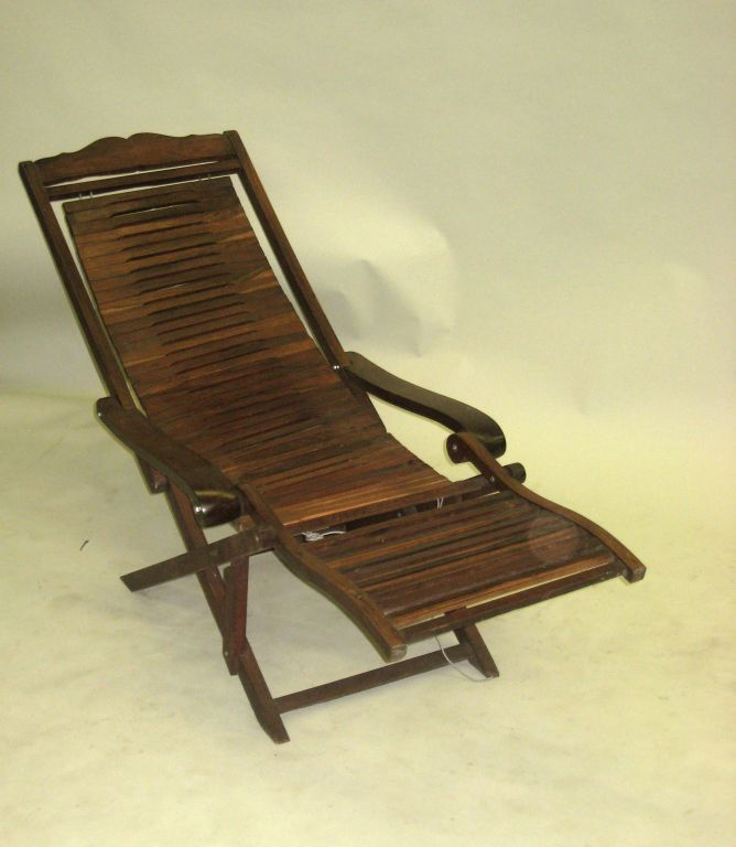 French colonial deck chair or chaise longue at 1stdibs - Chaise style colonial ...