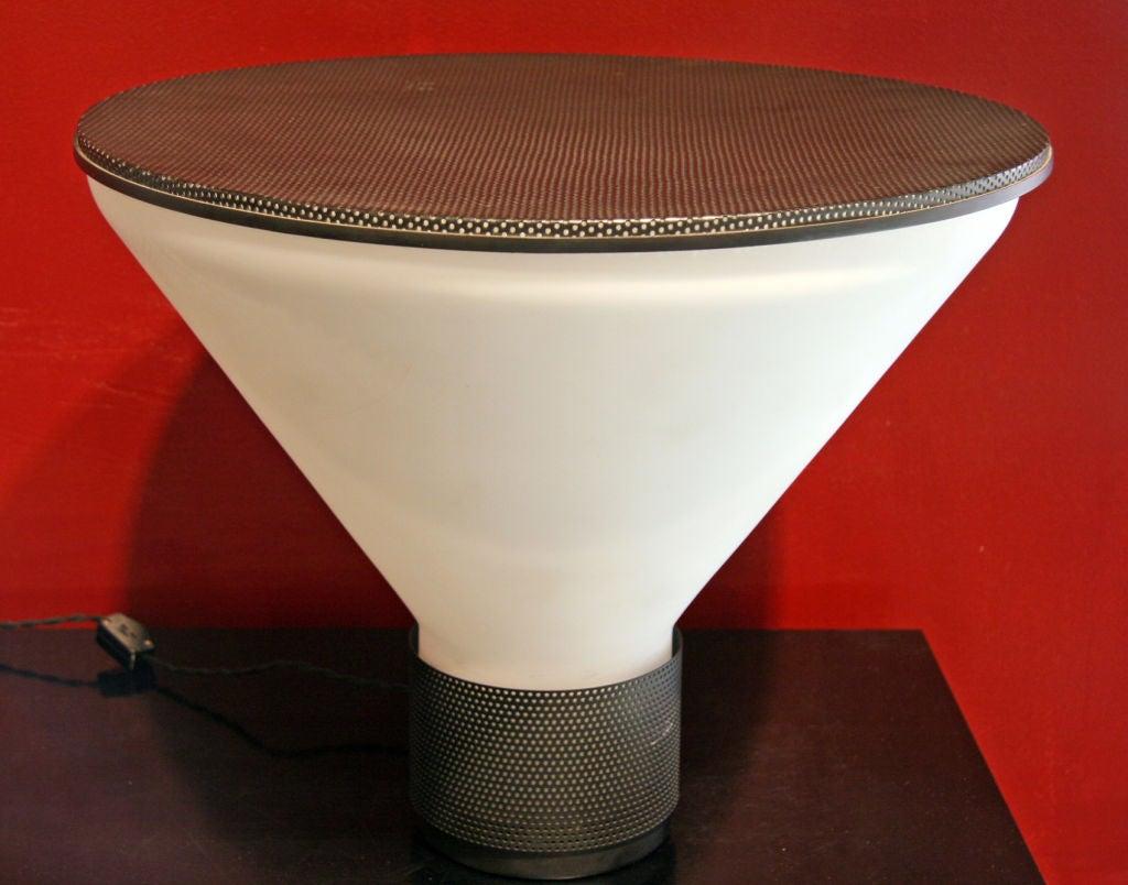 Italian Fontana Arte Table Lamp Designed by Gregotti Associati For Sale