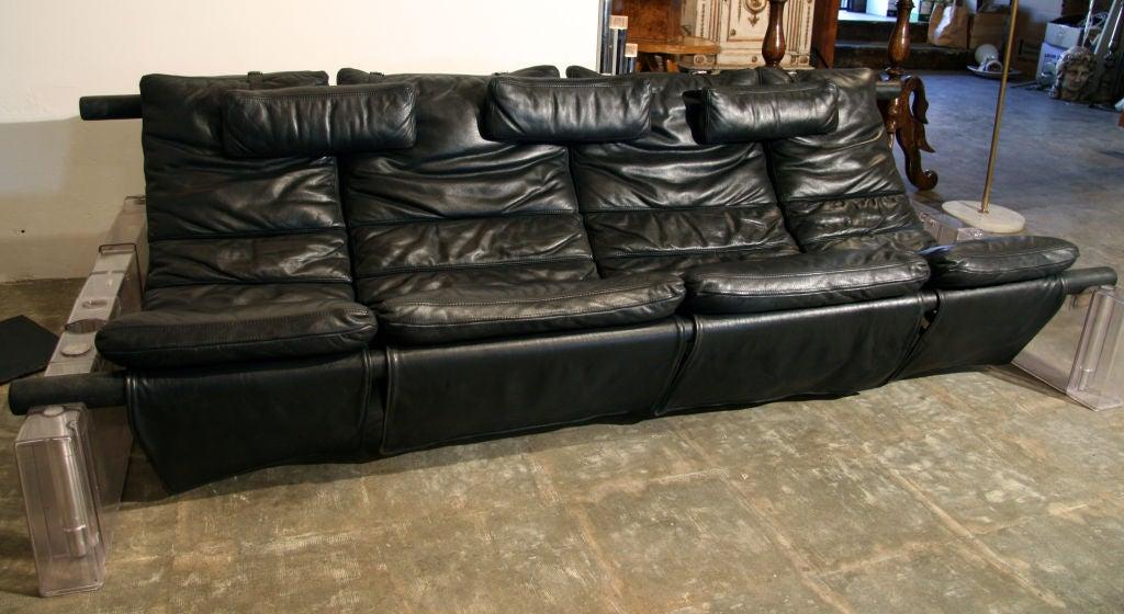 "Vittorio Mazzucconi ""Positiv"" Plexi and Leather Sofa In Excellent Condition For Sale In Los Angeles, CA"