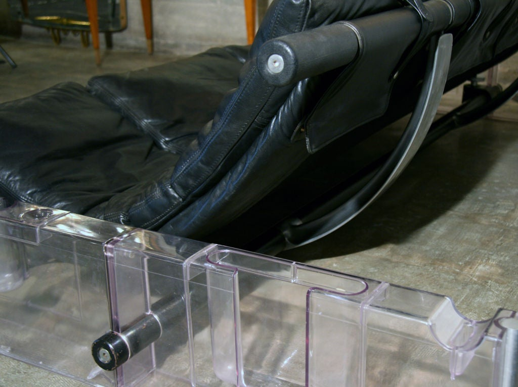 """Late 20th Century Vittorio Mazzucconi """"Positiv"""" Plexi and Leather Sofa For Sale"""