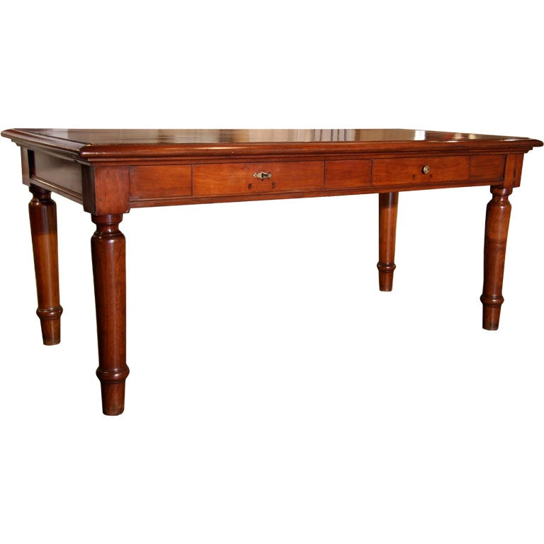 Italian Table in cherry wood. 1920s