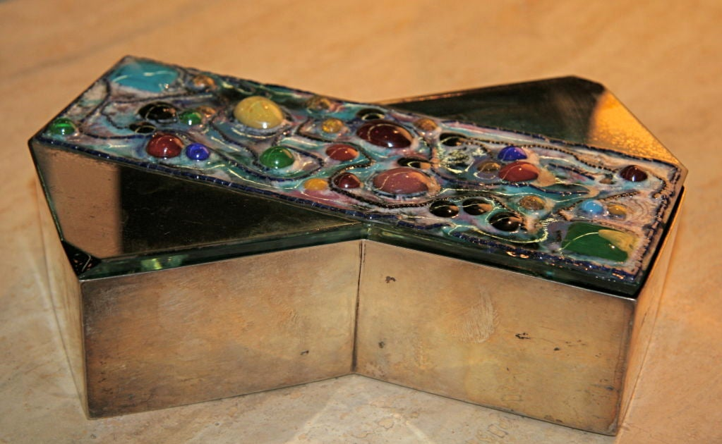 Silver Box by the maker Fontana Arte with groovy glass detailed top for your treasures or smokes...