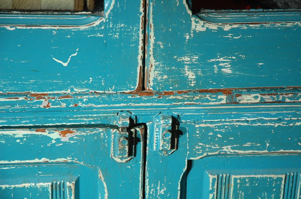 RARE 19THC ORIGINAL BLUE PAINTED STEP BACK CUPBOARD For Sale 1