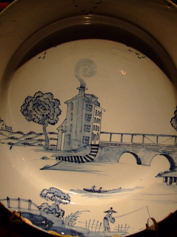 Rare 18th c. English Delft Charger Depicting a Tower House In Good Condition For Sale In New York, NY