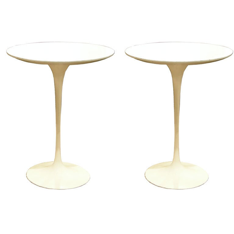 Pair of Vintage Round Side Tables by Eero Saarinen for Knoll