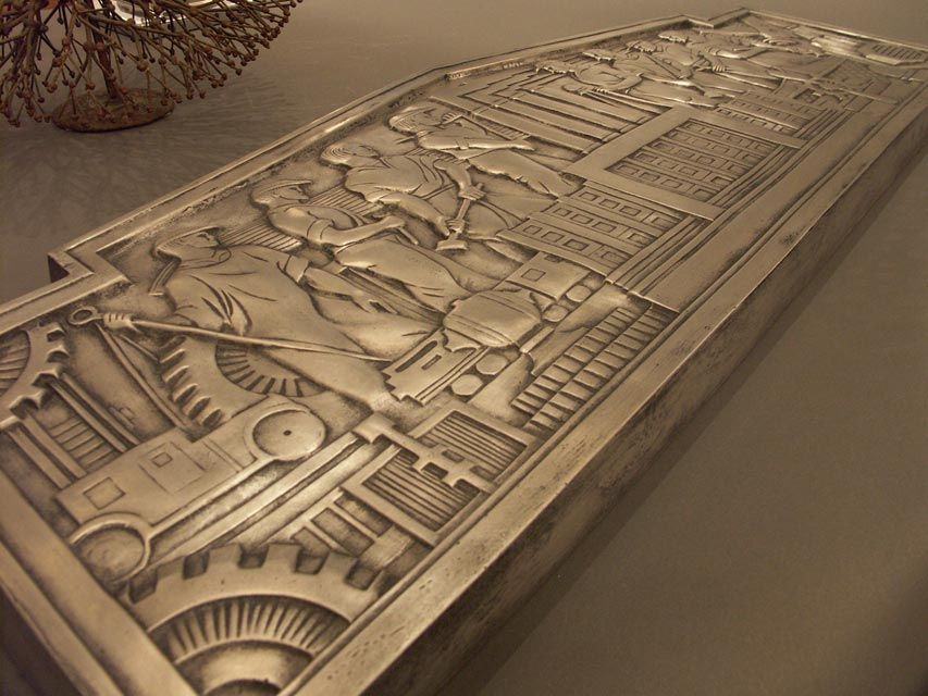 Recasting of a Classic Machine Age Plaque In Excellent Condition For Sale In New York, NY