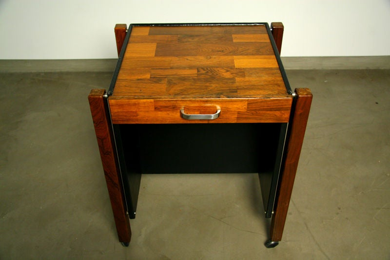 Single Rolling Side Table in Rosewood by Jorge Zalszupin for L'Atelier In Good Condition For Sale In Hollywood, CA