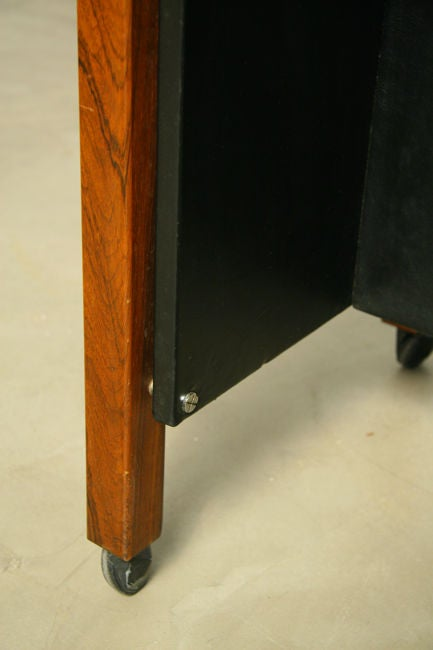 Single Rolling Side Table in Rosewood by Jorge Zalszupin for L'Atelier For Sale 1