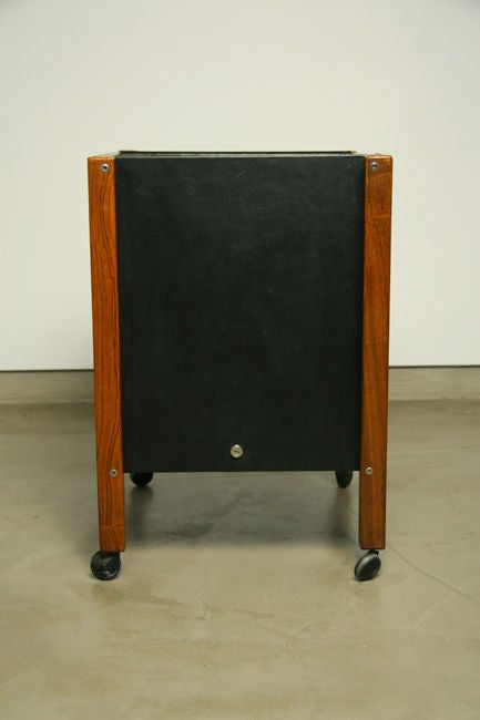 Single Rolling Side Table in Rosewood by Jorge Zalszupin for L'Atelier For Sale 2