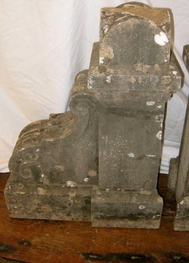 19th Century Pair of French Corbels In Good Condition For Sale In New York, NY