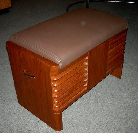 Art Deco RCA 1939 Electric Piano by John Vassos For Sale 2