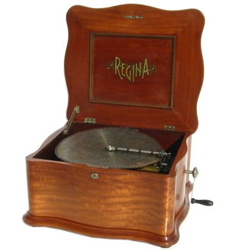Regina Metal Disc Music Box 1
