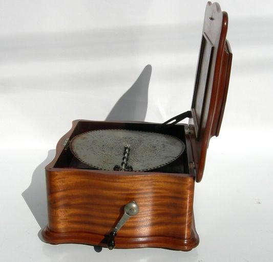 Regina Metal Disc Music Box 6