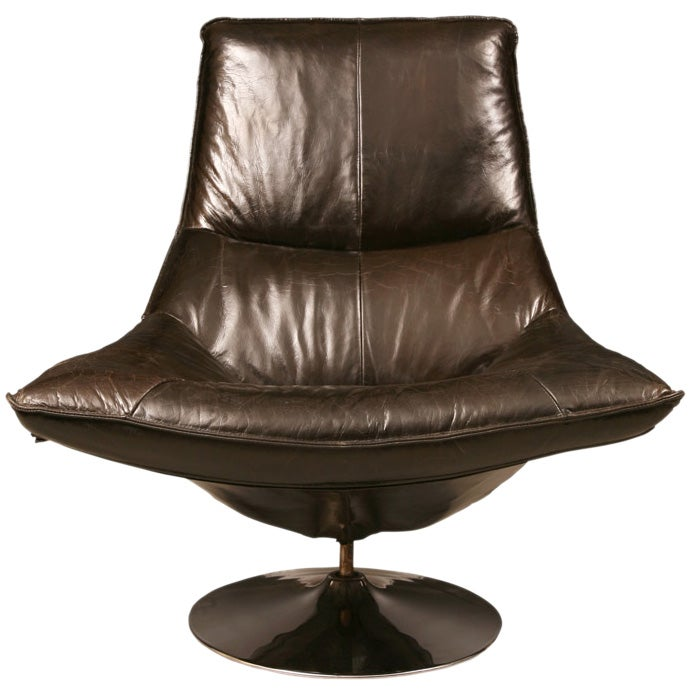 Italian Leather Swivel Lounge Chairs at 1stdibs