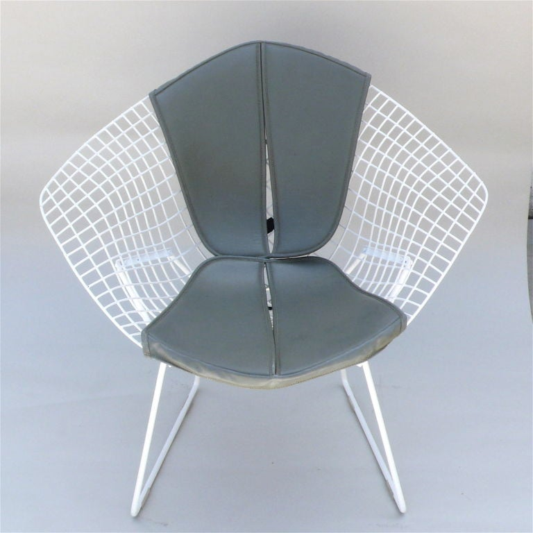 pair of original diamond chairs by harry bertoia for knoll. Black Bedroom Furniture Sets. Home Design Ideas