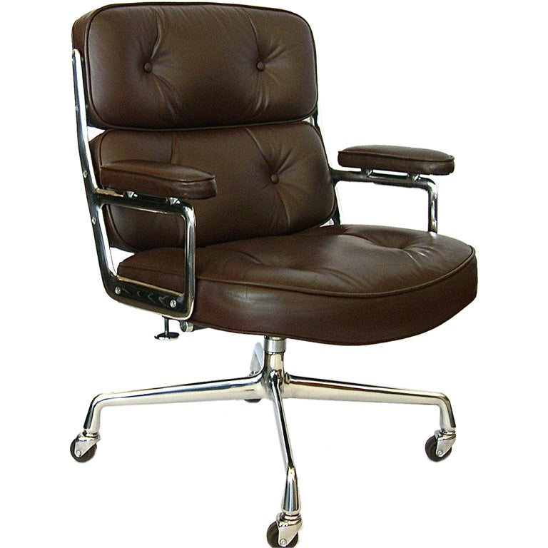 eames time life executive office chair in original leather at 1stdibs. Black Bedroom Furniture Sets. Home Design Ideas