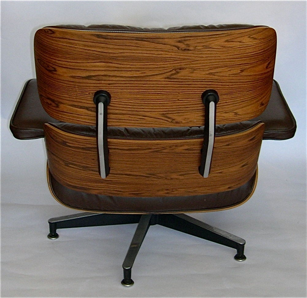 eames original rosewood 670 lounge chair and 671 ottoman. Black Bedroom Furniture Sets. Home Design Ideas