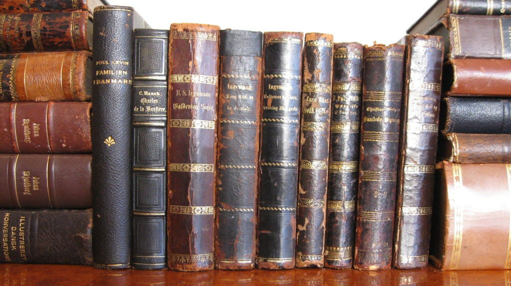 SET OF FORTY  ANTIQUE BOOKS image 3