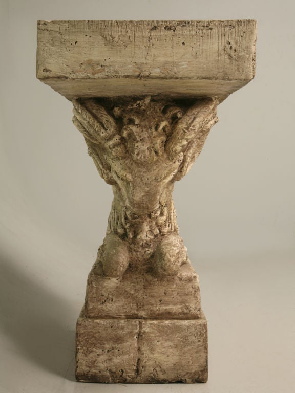 "Console Table in Faux Stone ""Rams Head""  5"