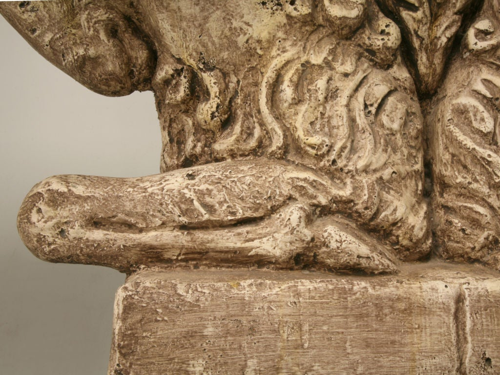 "Console Table in Faux Stone ""Rams Head""  8"