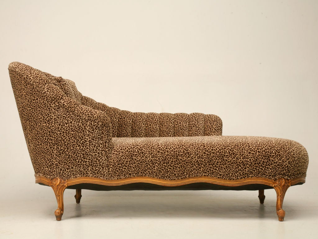 French louis xv recamier chaise lounge at 1stdibs for Chaise style louis xiv