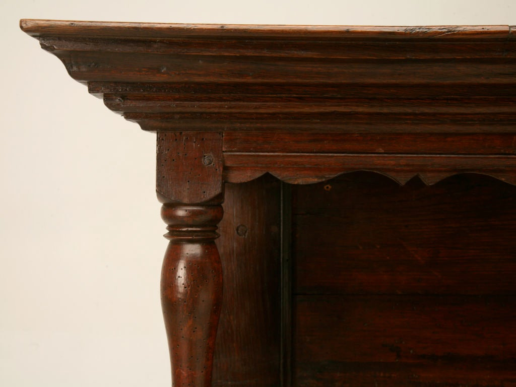 Original, 18th Century French Oak and Pine Plate Rack In Good Condition For Sale In Chicago, IL