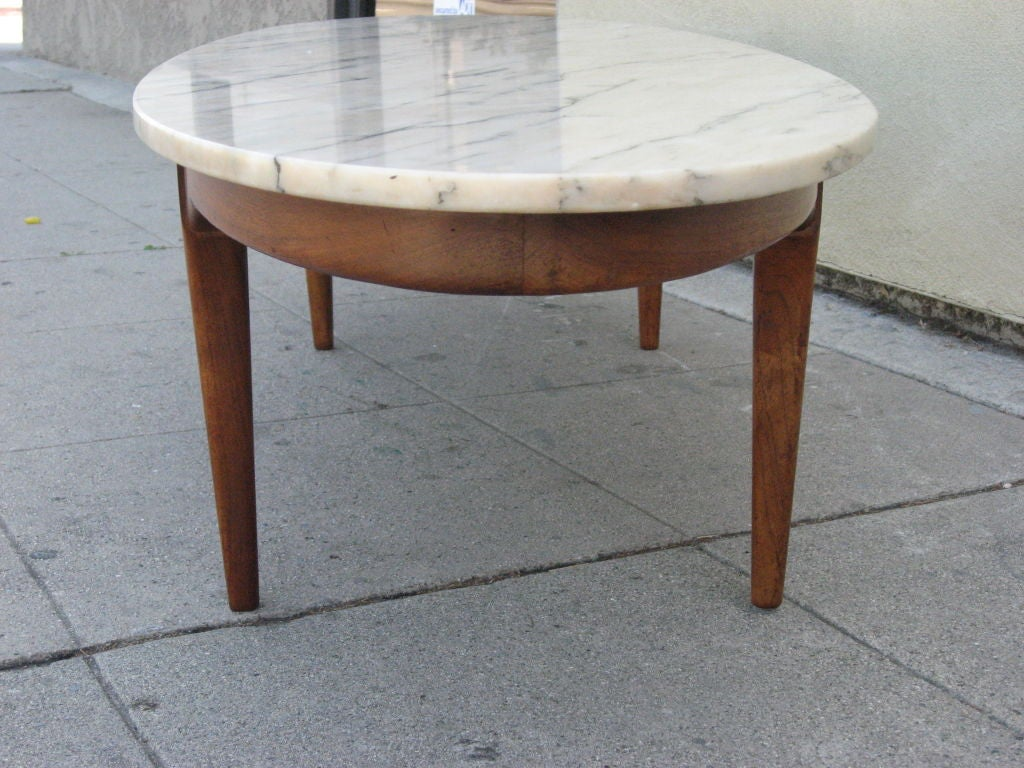 Ovale Marble Top Coffee Table At 1stdibs