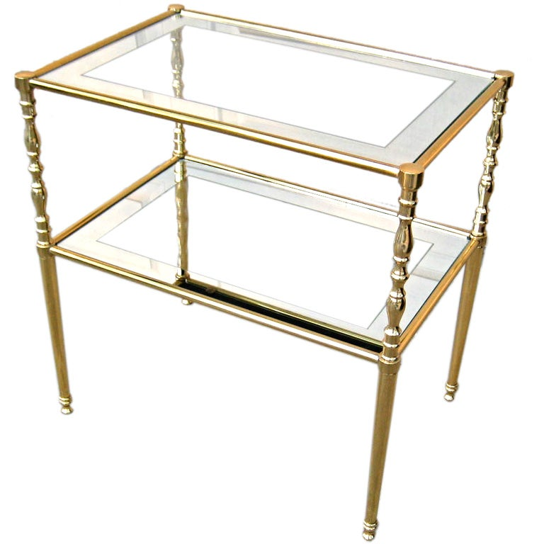 Brass chiavari side table with mirror border shelves at for Table no border