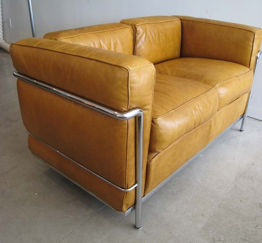cassina le corbusier settee sofa bauhaus style at 1stdibs. Black Bedroom Furniture Sets. Home Design Ideas