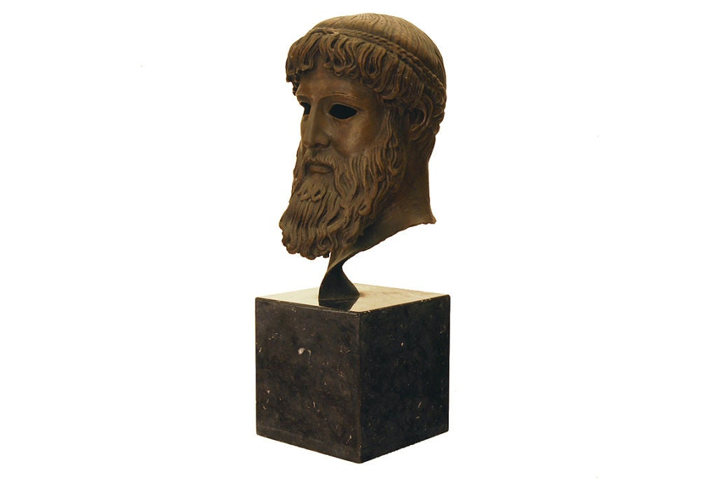 head of poseidon In greek mythology, perseus (/ ˈ p ɜːr s i ə s, - s j uː s / greek: περσεύς) is the legendary founder of mycenae and of the perseid dynasty, who, alongside cadmus and bellerophon, was the greatest greek hero and slayer of monsters before the days of heracles.