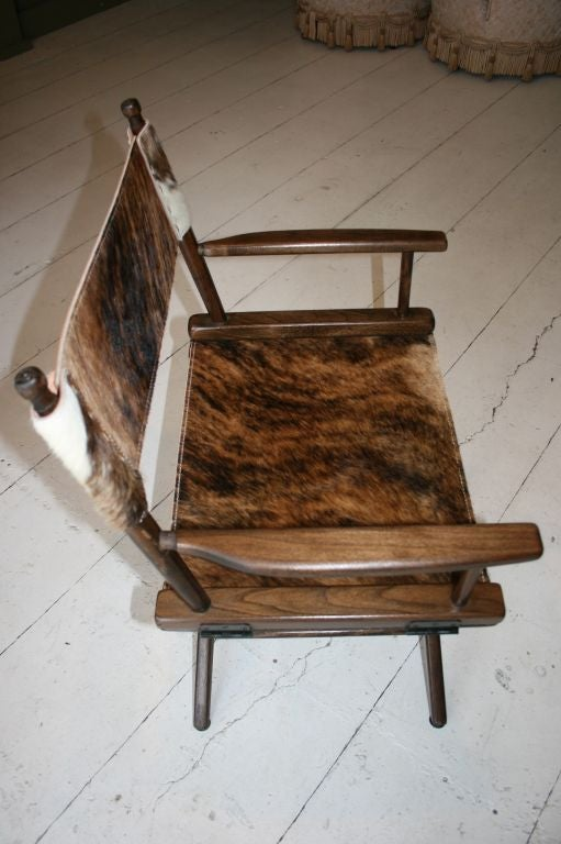 PAIR OF 1970S DIRECTOR'S CHAIRS STEER HIDE SEATS For Sale 1