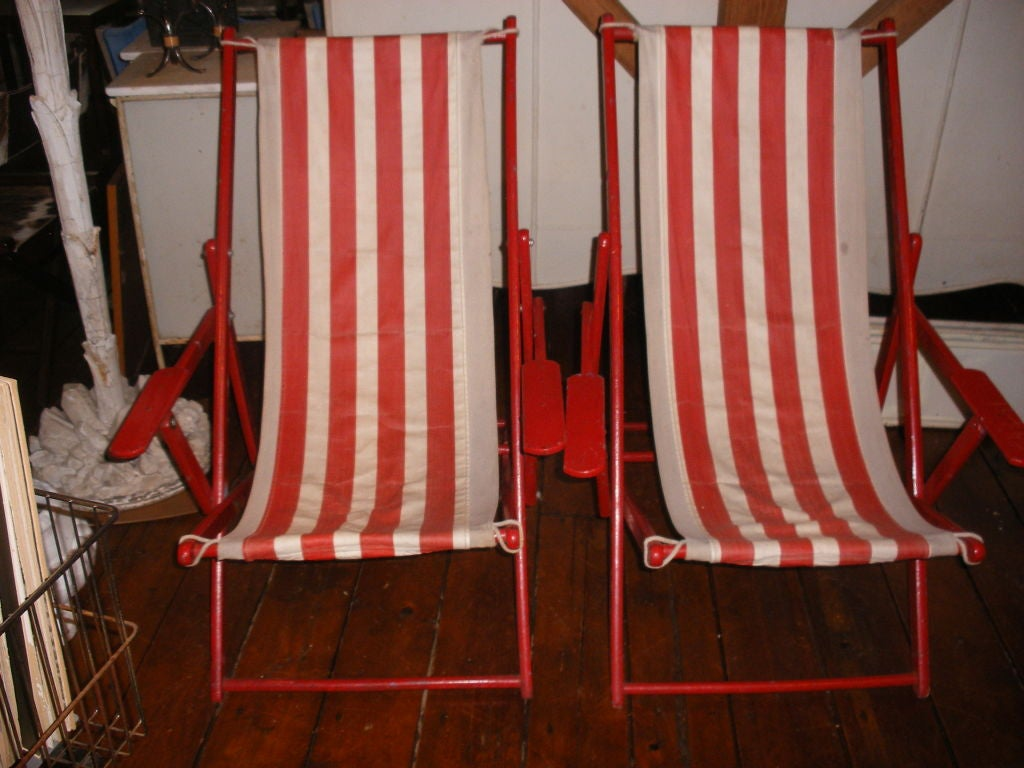 Wood PAIR OF RED AND WHITE STRIPED CANVAS BEACH CHAIRS